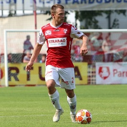 Pardubice vypadly z poháru s Benešovem, Ekpai na hostování do Budějovic